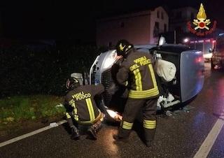 Incidente stradale nella notte a Bardello: auto si ribalta, ferito un uomo di 33 anni
