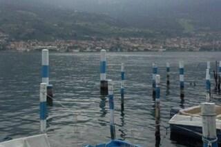 Iseo, trovato cadavere nelle acque del lago: mistero sull'identità, indagano i carabinieri