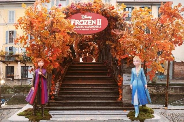 """Il ponte dedicato ad Alda Merini brandizzato Disney in occasione dell'uscita del nuovo film """"Frozen"""""""