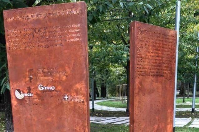 I totem vandalizzati al Giardino dei Giusti