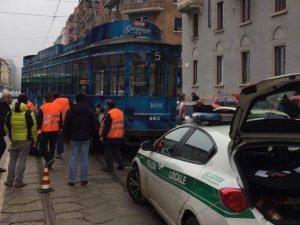 Tram deragliato in zona Città Studi a Milano
