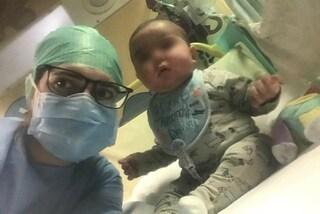 """Eseguito il trapianto di midollo su Filippo, bimbo affetto da malattia rara. La madre: """"È fatta"""""""