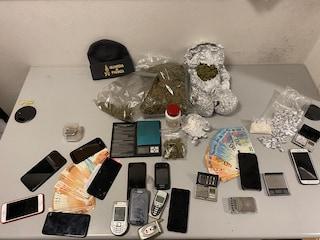 Traffico di sostanze stupefacenti nel Milanese: in manette quattro giovani tra i 22 e i 29 anni