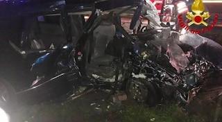 Due auto si scontrano a Casaletto Lodigiano: un morto e tre feriti lungo la strada provinciale 17