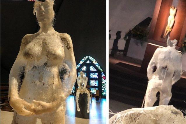 """Bergamo, attacchi online al parroco per le statue in mostra in chiesa: """"Traumatizzano i bambini"""""""