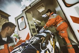 Bergamo, incidente stradale sulla provinciale Valseriana: grave una donna di 56 anni
