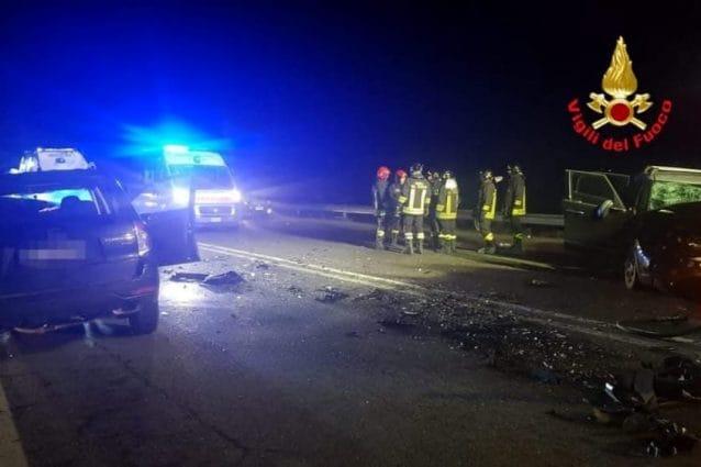Incidente stradale a Carpiano: 11 feriti, 6 sono bambini: bimba di 7 mesi in codice rosso