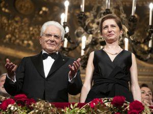 Ovazione per il presidente della Repubblica Sergio Mattarella