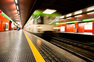 Coronavirus, a Milano Atm riduce la frequenza dei mezzi pubblici: ecco come cambia il servizio