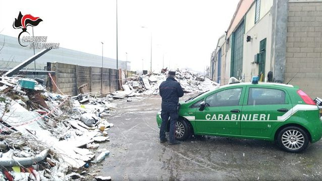 La discarica abusiva sequestrata a Rho dai carabinieri forestali