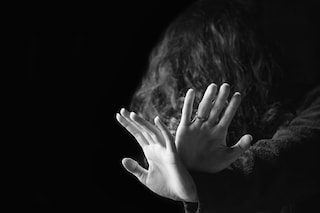 Milano, ragazzo di 29 anni arrestato per violenza sessuale: ha stuprato 16enne davanti alla zia