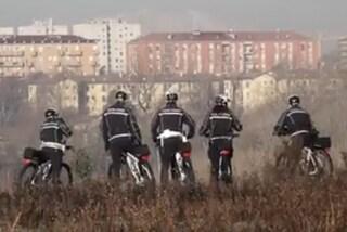 Milano, al parco Cassinis arrivano i vigili in mountain bike: la pattuglia nell'ex bosco della droga