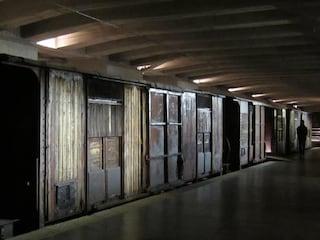 Il binario 21 alla stazione Centrale di Milano: da lì partivano i treni della morte verso Auschwitz