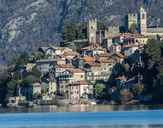 Corenno Plinio: un biglietto di 5 euro per entrare nel gioiello sul lago di Como