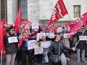 La protesta dei dipendenti del gruppo Euronics–Galimberti davanti al tribunale di Milano
