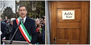 """""""Qui vive un antifascista"""": risposta del sindaco di Milano Sala alla scritta antisemita di Mondovì"""