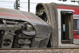 """Frecciarossa deragliato, la rabbia dei ferrovieri in sciopero: """"Ora non ci sentiamo più sicuri"""""""