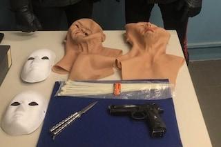 Vigevano, rapina in gioielleria con maschere e pistola: sventato colpo da 250mila euro