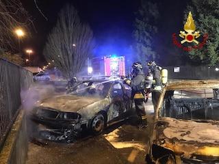 Truccazzano, quattro automobili in fiamme nella notte: vigili del fuoco in azione