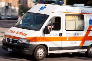 Milano, due feriti gravi in scontro tra auto e moto: secondo schianto in viale Monza in poche ore