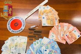 Milano, nascondevano la droga nel loro negozio di frutta e verdura: arrestati tre pregiudicati