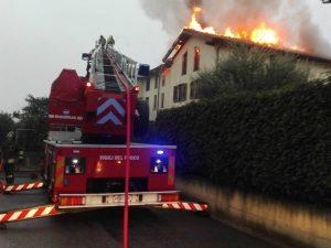 (Incendio Busnago – Foto vigili del fuoco)