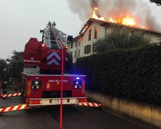 Busnago, incendio in una villetta a schiera di via Libertà: fumo denso e paura tra i residenti