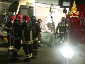 L'incidente in piazza Oberdan (Foto: Vigili del fuoco)