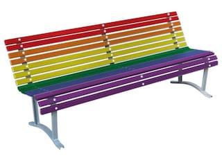 Milano, in arrivo 10 panchine arcobaleno contro l'omofobia e la discriminazione di genere