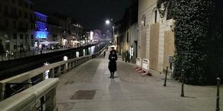 Coronavirus, l'emergenza cancella l'happy hour a Milano: Navigli deserti