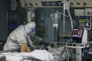 """Coronavirus, una paziente di 68 anni guarita: """"Una banale influenza? No, è un viaggio all'inferno"""""""