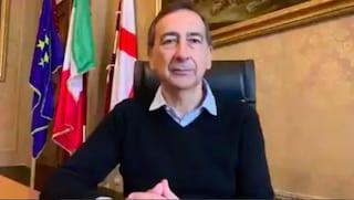 """Coronavirus a Milano, Sala: """"Daremo computer ai bambini che non ce l'hanno per lezioni online"""""""