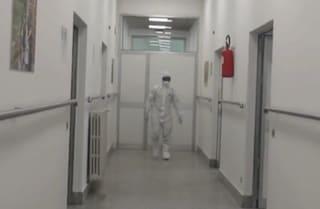 """Coronavirus, un contagio all'ex ospedale militare di Baggio a Milano. Fontana: """"Resta aperto"""""""