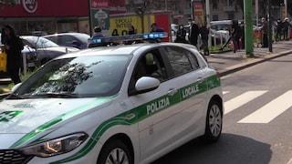 """Coronavirus, la polizia locale di Milano diffonde dagli altoparlanti il messaggio: """"State a casa"""""""