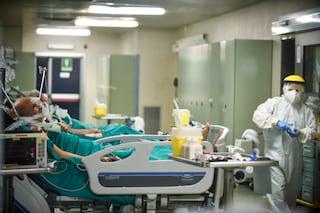 Ospedale di Busto Arsizio aumenta i posti covid: primo reparto già pieno, pronti altri 30 letti