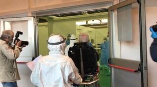 Apre l'ospedale allestito dagli Alpini alla Fiera di Bergamo: arrivati i primi 4 pazienti covid