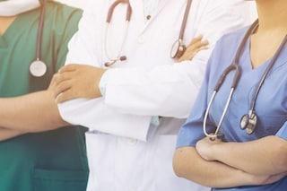 """Medici di base: """"Né tamponi né sierologici: non sappiamo se siamo contagiati e lunedì riapriamo"""""""