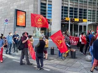 Milano, protesta sotto il Palazzo della Regione: Rifondazione chiede commissariamento sanità