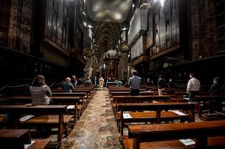 Milano, la prima messa in Duomo dopo il lockdown: fedeli distanziati e con mascherine