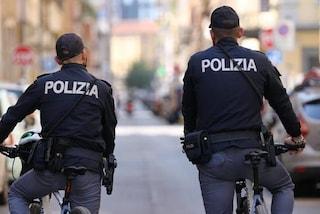 Milano, spaccia hashish, marijuana e speed al parco: arrestato un ragazzo di 19 anni