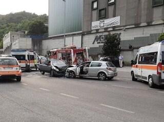 Lumezzane, schianto tra due auto: donna sopravvive all'incidente ma muore d'infarto