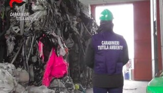 Discariche abusive e roghi, in Nord Italia traffico illecito di rifiuti da 23mila tonnellate