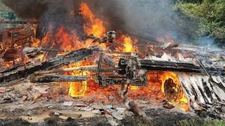 Incendio alla cascina Linterno a Milano: in fiamme deposito agricolo al Parco della Cave