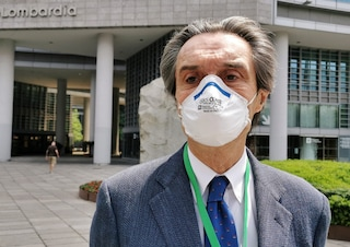 """Dpcm, Fontana d'accordo con Azzolina: """"Differenziare orari inizio altre attività, non solo scuola"""""""