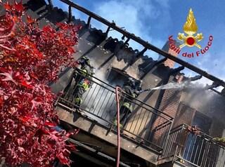 Incendio a Casterno, villetta va a fuoco: intervengono cinque mezzi dei vigili del fuoco