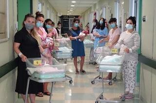 """Quindici bambini nati in 24 ore all'ospedale di Cremona: """"Uno straordinario segnale di rinascita"""""""