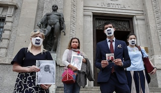 """Bergamo, parenti delle vittime di Covid a Ue: """"Crimini contro l'umanità in gestione emergenza"""""""