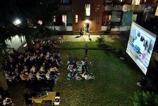 """Milano, dal 10 luglio le proiezioni nelle case popolari del Giambellino con """"Scendi c'è il Cinema"""""""