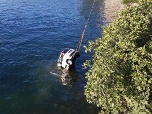 Como auto bordo ragazzi sbanda finisce lago morta 24enne