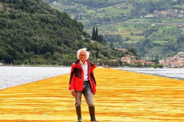 I Comuni del Lago d'Iseo ricordano Christo, l'autore della passerella galleggiante sull'acqua